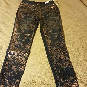 Chico's Platinum Lace Foil Print Jegging Jeans